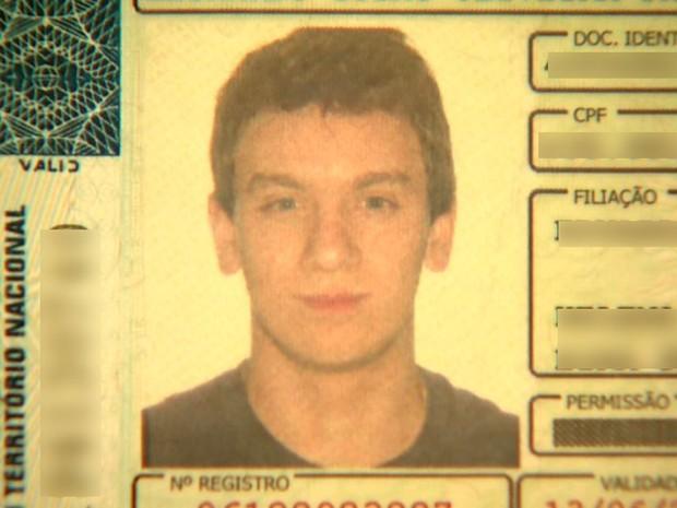 Leonardo Cosac Oliveira, de 20 anos, dirigia o carro que atropelou o pedreiro em Ribeirão Preto, SP (Foto: Reprodução/EPTV)