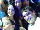 Bailarinas curtem carnaval em Salvador e botam até Giba para dançar