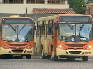 ônibus são apedrejados em Juiz de Fora (Foto: Reprodução/TV Integração)