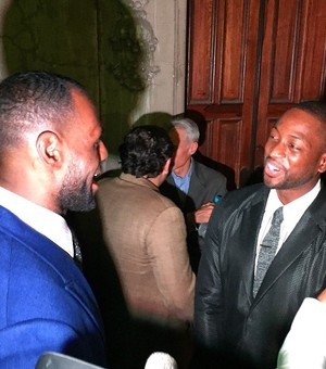 LeBron James e o amigo Wade em recepção no Rio (Foto: Reprodução/Instagram)