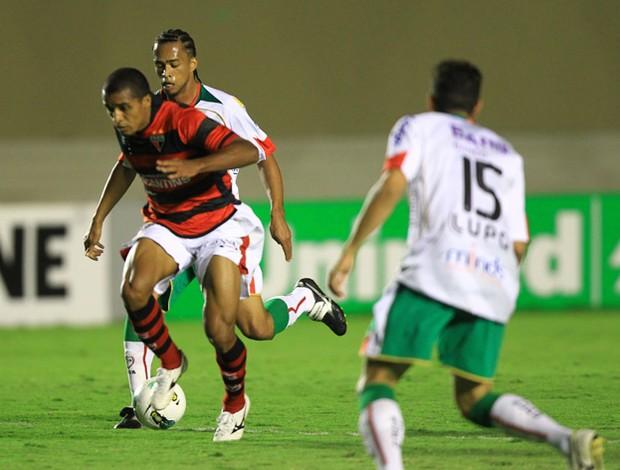 Atlético-GO x Portuguesa, Serra Dourada (Foto: Benedito Braga / O Popular)