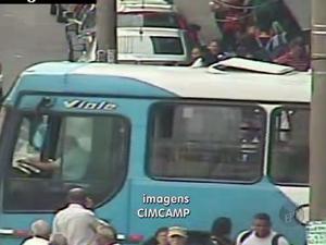 Paralisação dos ônibus no Terminal do Ouro Verde em Campinas (SP) (Foto: Reprodução/ EPTV)