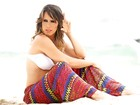 Fernanda Pontes celebra a chegada do verão com ensaio de biquíni tão quente quanto a estação