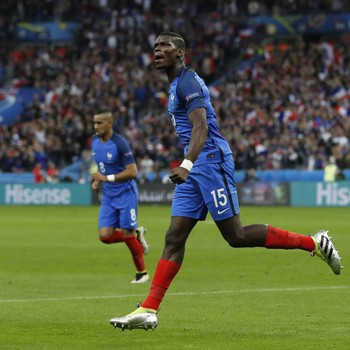Pogba França x Islândia (Foto: Reuters)