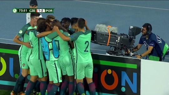 Árbitro anula gol de trás do meio-campo, e Portugal se classifica na Euro Sub-19