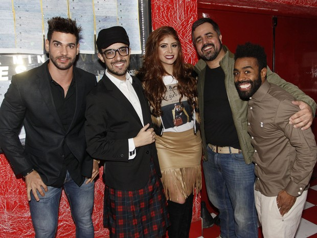 Ex-BBBs Rodrigo Lima, Alisson Gomes, Amanda Gontijo, Marcelo Arantes e Douglas Ferreira em show em São Paulo (Foto: Celso Tavares/ EGO)