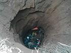 Homem cai em fossa de 25 metros de profundidade ao podar coqueiro