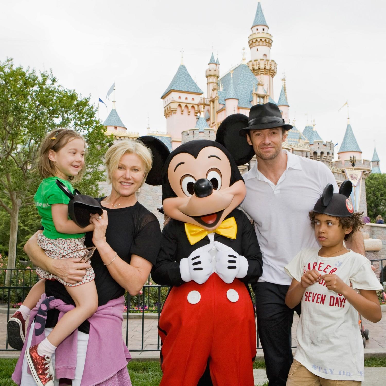 """Hugh Jackman declarou que se sente """"muito sortudo"""" pelos dois filhos que tem: Oscar, de 13 anos, e Ava, de 8. (Foto: Getty Images)"""