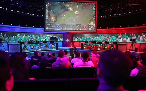 A abertura do Campeonato Universitário de League of Legends de 2017, em Santa Mônica- Califórnia (Foto: Getty Images)