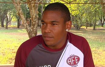 Craque da A2, Alan Mineiro fala em renovar contrato com Ferroviária