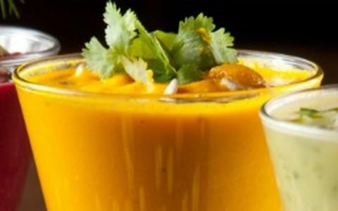 Sopa gelada de cenoura com tangerina