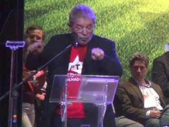 Lula fala a militantes do PT em encontro nacional do partido em São Paulo (Foto: Reprodução)