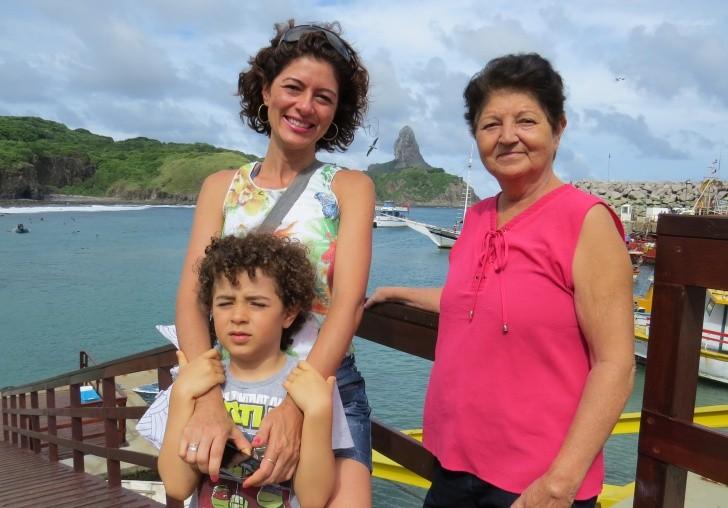 Meiry Lanunce, o filho Cauan, e a mãe, Maria Jos;e
