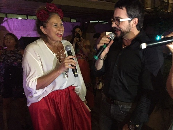 Fafá cantou o Hino a Nossa Senhora de Nazaré em dueto com o Padre Fábio de Mello (Foto: Bruno Astuto)