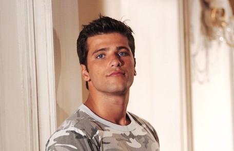 Como o primeiro vilão que viveu na TV, o Ivan, em 'Paraíso tropical' (2007) TV Globo
