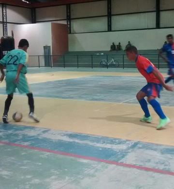 Quatro sobreviventes estão na luta pelo título da Copa RR Hoje de Futsal (Foto: Adailton Luan da Silva)
