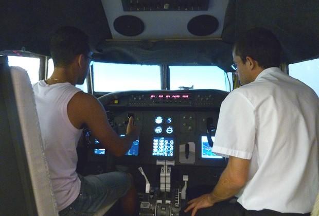Apaixonados pela aviação poderão sentir o gostinho de pilotar aeronaves  (Foto: Divulgação)