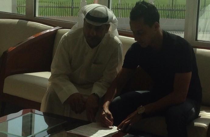 Rodriguinho assinou até junho de 2015 (Foto: Divulgação)