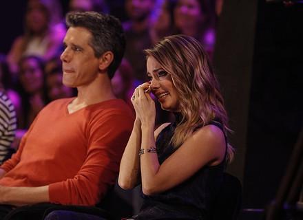 Sandy vê show de Lucas Lima, Xororó e Noely cantando música inédita feita para ela e Theo