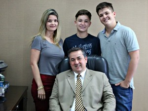 Família é muito unida e pai disse que transmite muitos valores (Foto: Graziela Rezende/G1 MS)