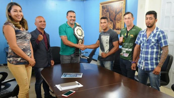 Soldado Conceição apoio prefeitura de Cruzeiro do Sul (Foto: Adelcimar Carvalho)