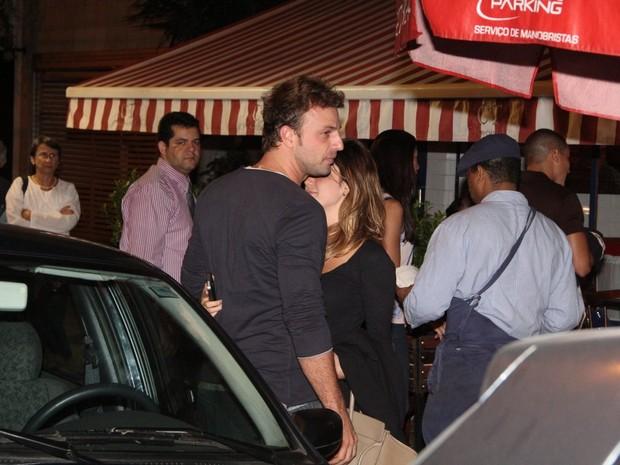 Fernanda Vasconcellos e Cássio Reis jantam juntos (Foto: Delson Silva/Ag News)