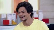 Lucas Veloso fala sobre estreia em novela e imita cantor sertanejo; veja (Divulgação)