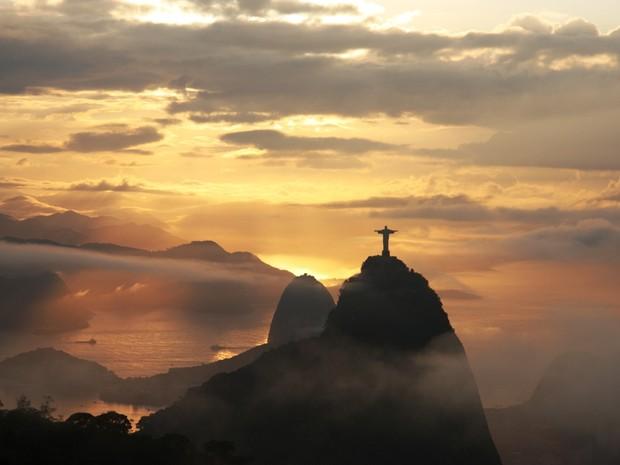 Rio amanhece ensolarado, mas previsão é de chuva para este domingo (24) (Foto: Marcos Teixeira Estrella/ TV Globo)