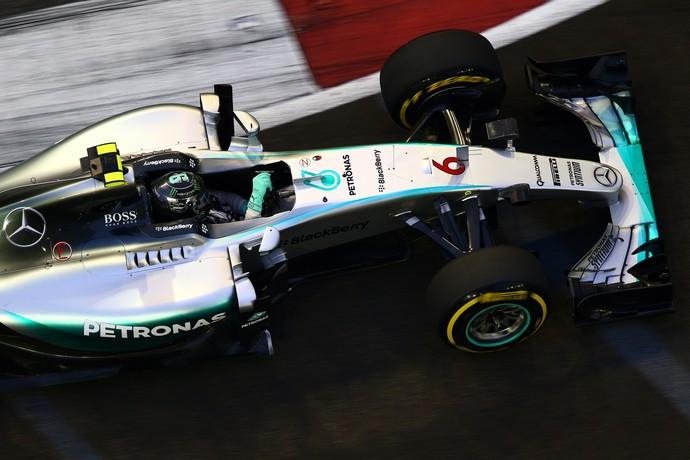 Nico Rosberg em ação no 1º treino livre para o GP de Cingapura (Foto: Getty Images)