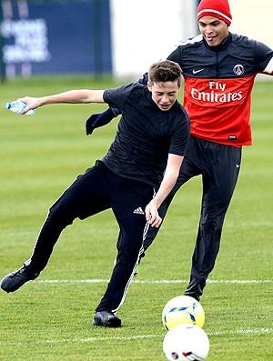 Brooklyn Beckham Thiago Silva treino PSG