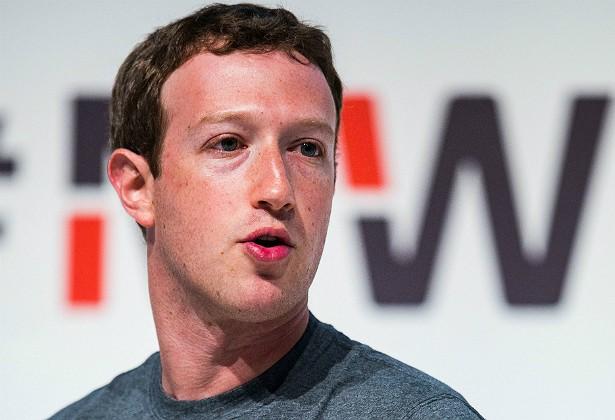 Mark Zuckerberg e a esposa, Priscilla Chan, são bem sovinas, apesar de ele ter uma das maiores fortunas do planeta como dono do Facebook. Durante a lua de mel, os dois foram a um restaurante e não deixaram nenhuma gorjeta — o que é considerado extremamente grosseiro em países como os EUA e o Reino Unido. (Foto: Getty Images)