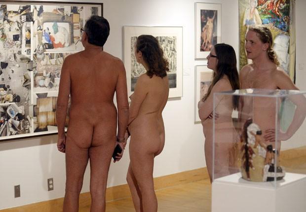 Mome da mostra era justamente 'Ficar nu' (Foto: Aaron Harris/Reuters)