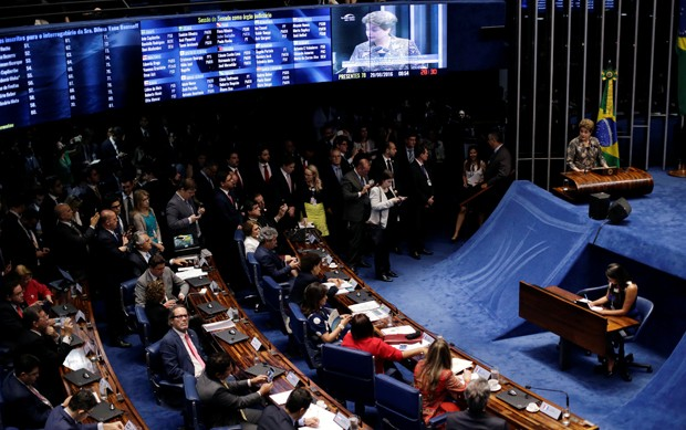 Dilma durante sessão de julgamento do impeachment (Foto: Ueslei Marcelino/Reuters)