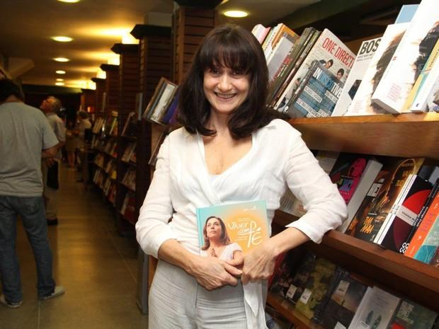 Zezé Polessa no lançamento do livro de Cissa Guimarães (Foto: Alex Palarea / AgNews)