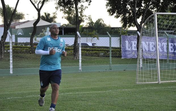 Walter, atacante do Goiás (Foto: Guilherme Gonçalves/Globoesporte.com)