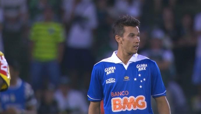 Henrique, volante do Cruzeiro (Foto: Reprodução / Premiere FC)