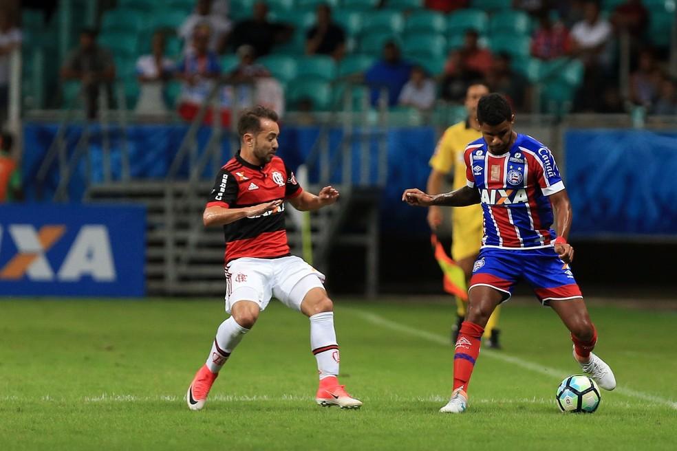 Éverton Ribeiro mostrou talento contra o Bahia (Foto: Felipe Oliveira / Divulgação / E.C. Bahia)