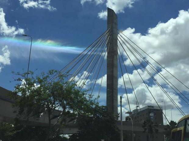 Arco-íris de fogo foi flagrado no céu de Campina Grande, na Paraíba (Foto: Márcio Sarmento / Arquivo Pessoal)