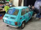 Poloneses fazem 'vaquinha' para dar Fiat 126p a Tom Hanks