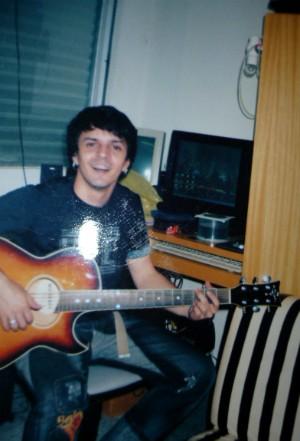 Desde os 19 anos, o morador do Sul do estado vive da música (Foto: Arquivo pessoal/Rubens Daniel)