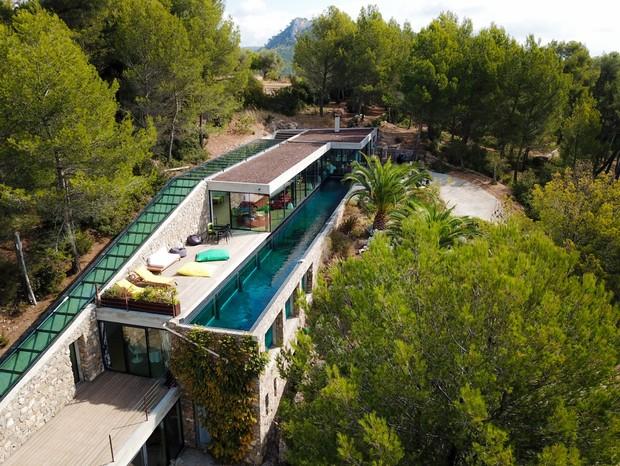 Casa criada por Rudy Ricciotti na França (Foto: reprodução)