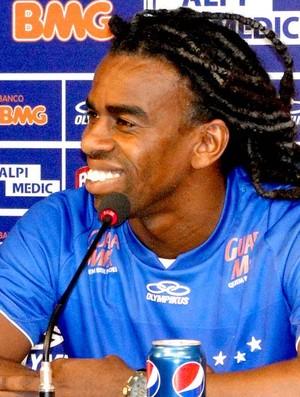Tinga,novo Volante do Cruzeiro (Foto: Roberto Filho /Globoesporte.com)