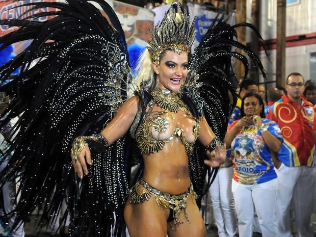 Laura Keller exibe sua boa forma (Foto: Alexandre Durão / G1)