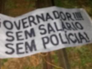 Em Carazinho, faixa contra o governo foi colocada em rodovia (Foto: Divulgação/PRF)