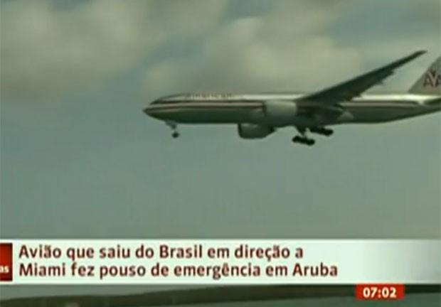 Avião chegou com cerca de quatro horas de atraso nos EUA (Foto: Globo News)