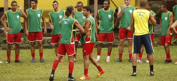 Jogadores do Cametá fizeram greve por salário atrasado (Foto: Tarso Sarraf/O Liberal)