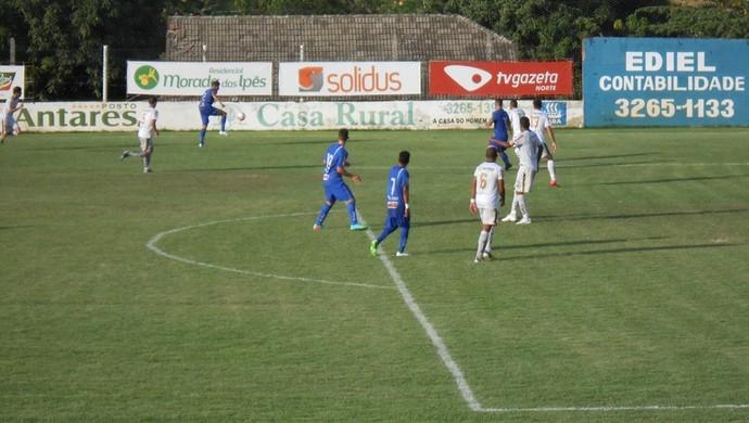Em jogo do alto da tabela, Linhares e Estrela empatam por 1 a 1 no Virgílio Grassi, em Rio Bananal (Foto: Nilson Menegussi Júnior/Estrela do Norte F.C)