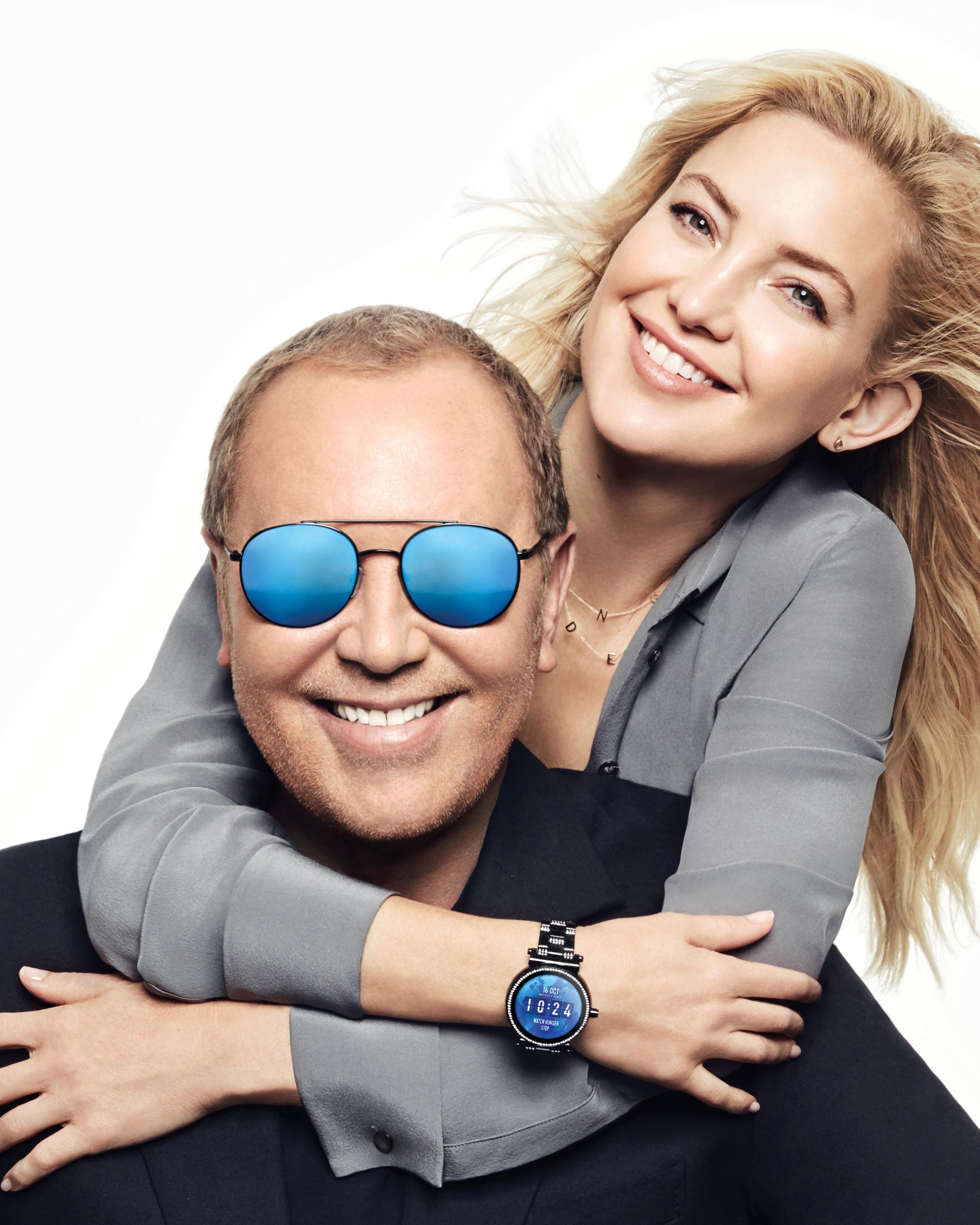 Kate Hudson e Michael Kors na campanha Watch Hunger Stop (Foto: Divulgação)