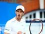 Murray sofre contra parceiro de Copa Davis, mas vai à semifinal em Queen's