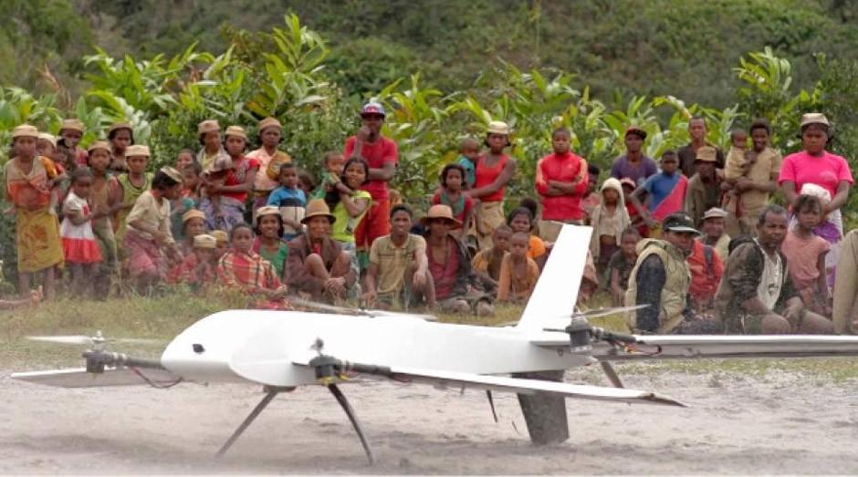 Drone pousa em região remota de Madagascar (Foto: Reprodução)